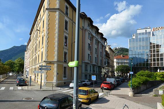 hotel-lux-facade